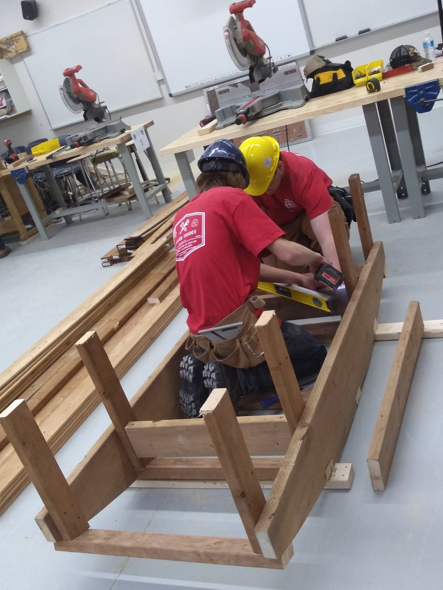 2-person carpentry photo